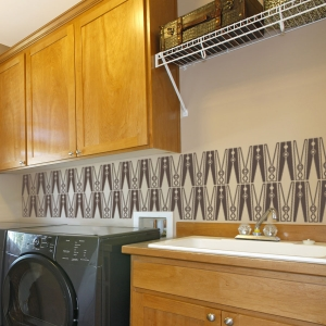 Laundry clothes pins wall decal
